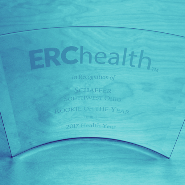 Schaefer Accepts ERChealth Rookie of the Year Award