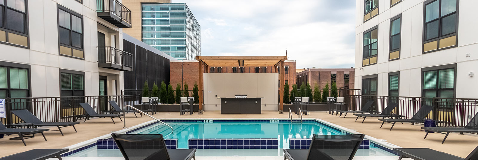 The outdoor pool at Xander on State in Columbus, Ohio.